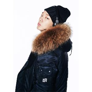 NONA9ON - [ACC] BARCODE NN9N LEATHER APPLIQUE BEANIE (Black) [16FW]